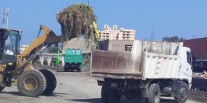 كنس وتجريف ورفع الرمال ورفع القمامة والمخلفات مرورا بجميع أحياء بورسعيد