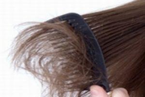 خلطات منزلية فعالة لعلاج تقصف الشعر