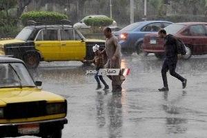 هطول أمطار غزيرة الآن في عدة مناطق بالإسكندرية.. صور