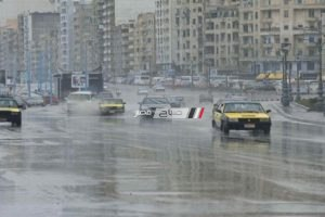 هطول أمطار غزيرة على الإسكندرية وانخفاض درجات الحرارة