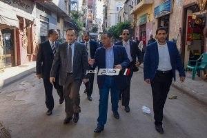 بالصور محافظ الإسكندرية يتفقد حي الجمرك للتواصل مع المواطنين