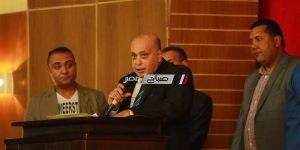 أعضاء لجان المساءلة المجتمعية يؤدون القسم أمام محافظ كفرالشيخ