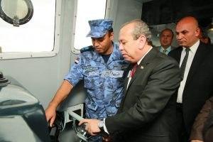 محافظ كفرالشيخ وقادة البحرية ومساعد وزير الداخلية يدشنون تشغيل لانشات المسطحات الجديدة