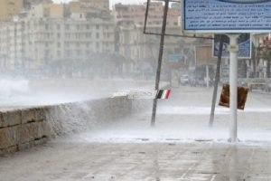 استمرار هطول أمطار غزيرة وانخفاض درجات الحرارة بالإسكندرية اليوم
