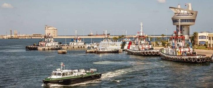 ميناء دمياط يستقبل 8 سفن و  90 سيارة نقل تغادر بحمولة 4305 طن قمح