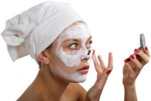 طريقة وضع ماسك لوجه شبابى أكثر نضارة وحيوية