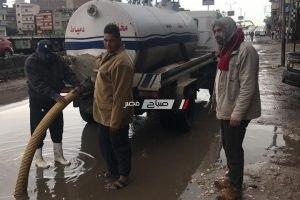 شن حملات مكبرة بكفر البطيخ بدمياط لشفط مياه الامطار من الشوارع … صور
