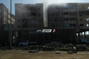 بالصور اخماد حريق هائل شب داخل سوبر ماركت بدمياط الجديدة دون خسائر بشرية