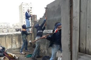بالصور تنفيذ 5 قرارات إزالة عقارات مخالفة بحى وسط بالأسكندرية