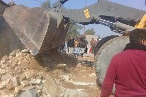إزالة إشغالات على حرم السكة الحديد بمنطقة العامرية بالإسكندرية