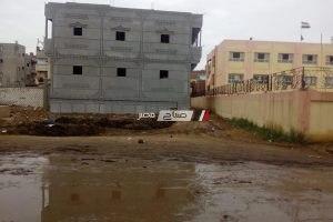 ازالة مجمع لمخلفات المواشى بجوار مدرسة بدمياط
