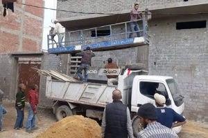 بالصور.. إيقاف أعمال بناء بدون ترخيص بحى المنتزه بالإسكندرية