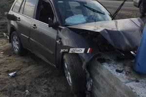 بالصور إصابة طبيب في حادث تصادم بطريق دمياط – بورسعيد