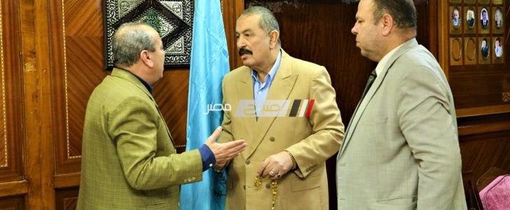 محافظ كفرالشيخ يناقش عدد من طلبات وشكاوى المواطنين مع العميد سيد احمد عضو مجلس النواب