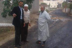 رئيس محلية دمنهور يتفقد اعمال رصف طريق عزبة النشارين