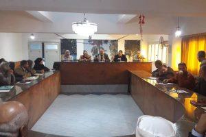 رئيس محلية الزرقا بدمياط يعقد اجتماع لعرض موقف توافر السلع والغاز