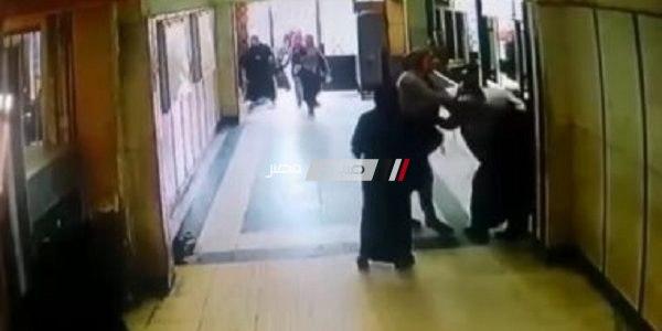 موظفة تضرب مديرة شئون ادارية بشبرا الخيمة