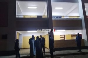 رئيس مدينة دمنهور يستجيب لشكاوى المواطنين بتراكم مياة صرف في فناء مدرسة