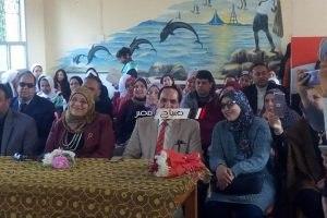 افتتاح معرض لتدوير خامات البيئة بمدرسة بدمياط (صور)