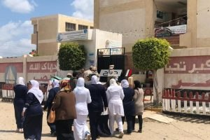 توافد المواطنين على لجان مدينة رأس البر للإدلاء بأصواتهم في الاستفتاء الدستوري