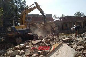 إزالة حالات تعدي على أراضي الدولة بمطروح