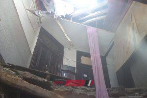 بالصور.. إخلاء عقار من السكان بعد انهيار سقف مطعم به على المواطنين بالإسكندرية