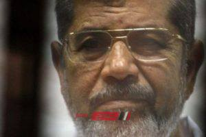ماذا طلبت اسرة الرئيس المعزول محمد مرسى بعد اعلان وفاته اثناء جلسة محاكمته اليوم … صور