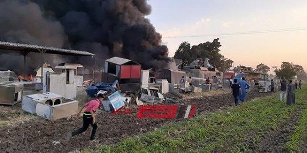 بالصور نشوب حريق بمصنع لإنتاج الفايبر بطريق (قليوب -الاسكندرية)