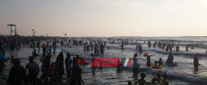 اقبال كبير على شواطئ مدينة رأس البر في ثالث أيام عيد الأضحى المبارك