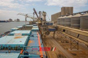 تصدير 9595 طن فوسفات و 7002 طن يوريا عبر ميناء دمياط