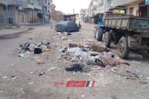رفع تجمعات مياه الأمطار والقمامة من أسواق دمنهور