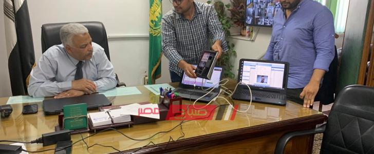 محافظ القليوبية: البدء فى تشغيل مكينات الكترونية لحضور وانصراف الموظفين