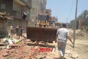 تنفيذ إزالة فورية لحالة تعدي علي الارض الزراعية بقرية ابو خليل