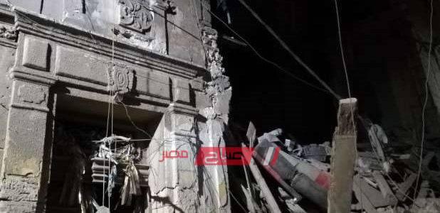بالصور.. انهيار أجزاء من عقارين بحي الجمرك في الإسكندرية