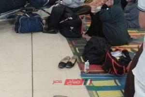 60 مواطن من دمياط يفترشون ارض المطار بالسعودية بسبب تأشيرة الحج …. صور