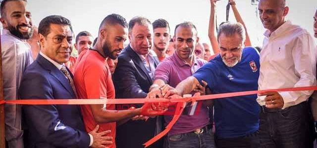 الخطيب يفتتح غرف الملابس الجديدة بالأهلي والعيادة والجيم وصالة العرض لفريق كرة القدم