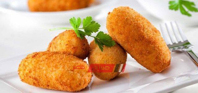 طريقة عمل البطاطس المحمرة بالبيض و البقسماط
