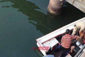 انتشال جثة شاب مجهول الهوية من مياة نهر النيل بعد ان لقى مصرعة غرقاً بدمياط