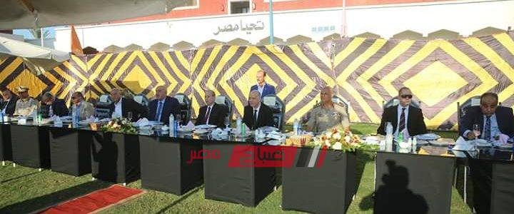محافظ كفرالشيخ يتناول الإفطار مع المجندين وأفراد الشرطة ويشاركهم فرحتهم بالعيد