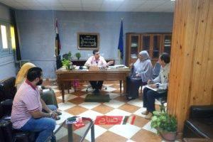 رئيس محلية الزرقا بدمياط يلتقي بالمواطنين ويسمتع لشكواهم