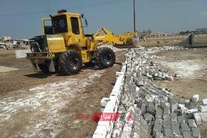 ازاله 3 حالات تعدي على الأرض الزراعية بقرية الرياض بدمياط