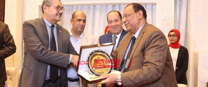 تكريم رئيس محلية رأس البر في احتفالية نقابة الأطباء البيطريين