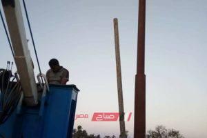 شن حملة مكبرة لصيانة أعمدة الكهرباء بقرية الكحيل بدمياط