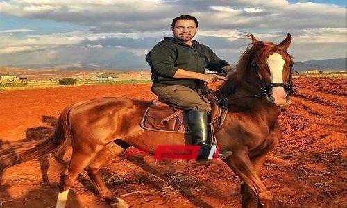 كسور وخدوش تصيب عاصي الحلاني عقب سقوطه من فوق حصانه