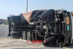 إنقلاب سيارة محملة بالزيوت على طريق القاهرة الإسكندرية الزراعي