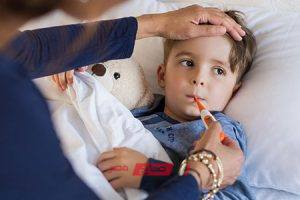 طرق طبيعية لخفض درجة حرارة جسم طفلك بالأعشاب