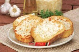 طريقة عمل خبز الثوم