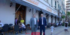 محافظ الإسكندرية وعمدة بافوس يزوران أقدم حلواني يوناني بالمدينة