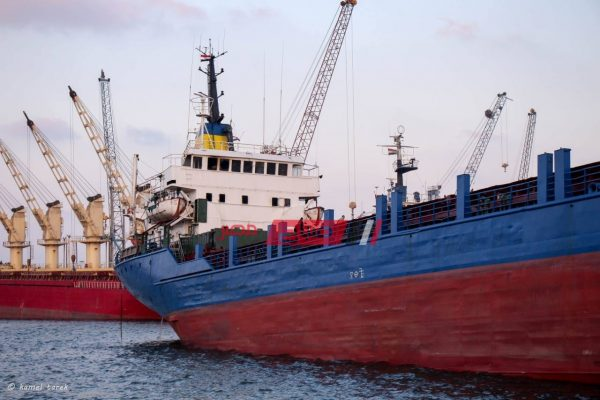 سفينة ميناء دمياط تصوير كامل طارق