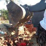 إزالة 4 مقابر لتعديها على الرقعة الزراعية في دمياط